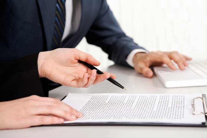 договор, люди подписывают договор