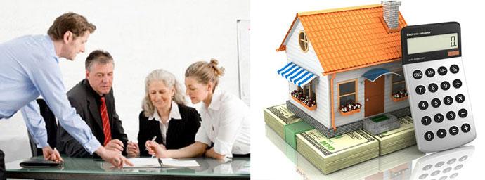 Дом, деньги, калькулятор и обсуждение с юристом