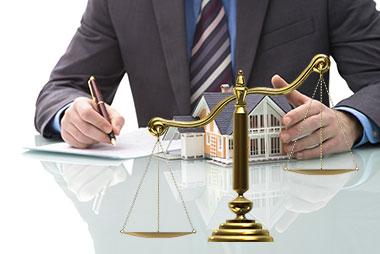 Рассмотрение дела юристом