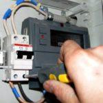 Замена электросчетчика в квартире: за чей счет, правила и порядок действий