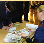 Как прописаться по месту жительства в паспортном столе или через госуслуги: сколько займет по времени