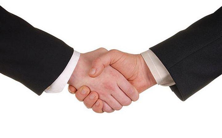 Заключили договор агента