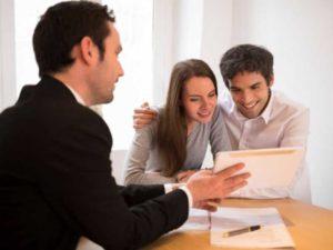 - недостаточно необходимой суммы финансовых средств у приобретателя или документации у продающей стороны;